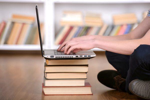 Technology vs Teachers: Can technology replace teachers?